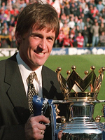 0127A09E00000578-3083278-Manager_Dalglish_lifts_the_trophy_after_his_Blackburn_side_pippe-m-50_1431696059625
